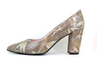 Exclusieve Puntige Pumps - Taupe in grote maten