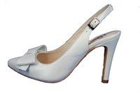 Witte slingback pumps in grote sizes